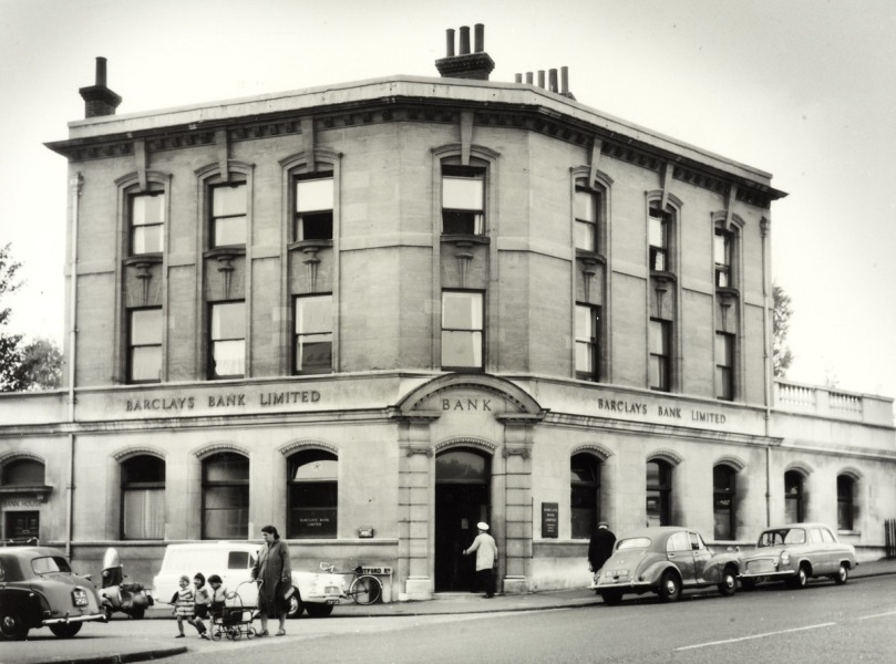 BANK CLOSES AFTER 128 YEARS IN THORNTON HEATH