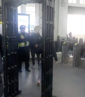 Police mob handed in the station ahead of knife crime meeting