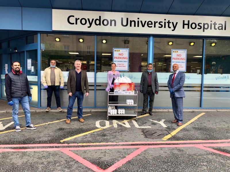 MP and mayor join Bangladeshi community to deliver hot food to hospital staff