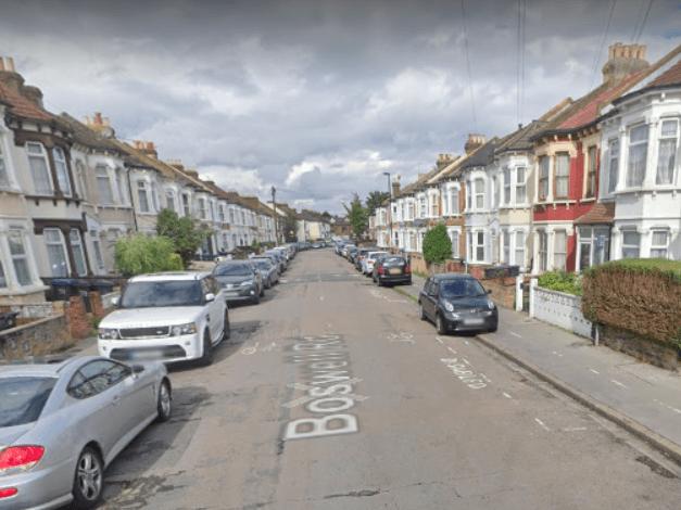 Police probe double stabbing in Thornton Heath
